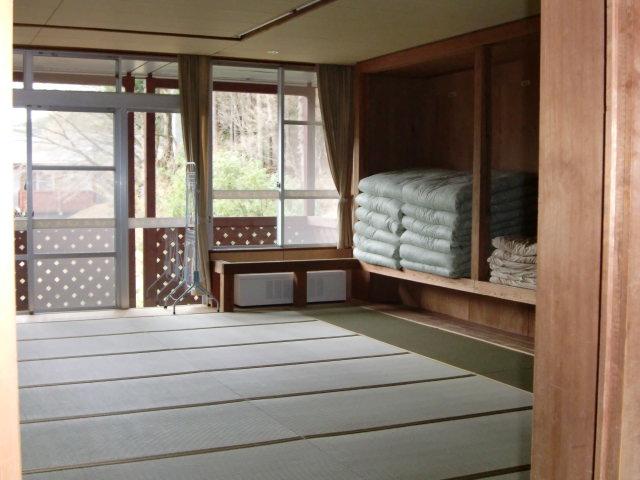 宿泊室(10人2).JPG
